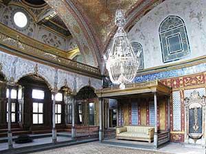 Interno della Sala Imperiale del Palazzo Topkapi
