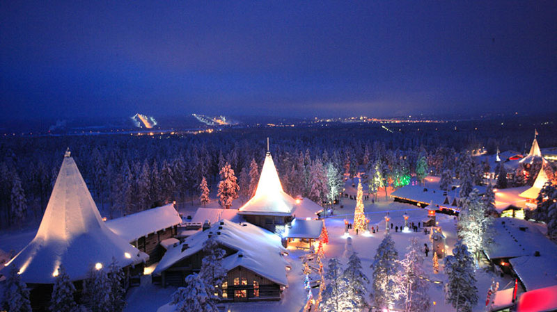 Babbo Natale Vive Al Polo Nord.Rovaniemi Dove Abita Babbo Natale Qui Vive E Lavora Intensamente