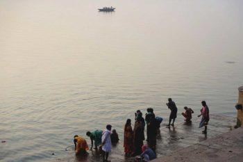 Varanasi una delle citt pi sacre di tutta l india e - Bagno nel gange malattie ...