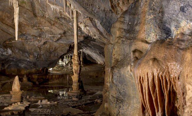Grotte di Toirano - il salotto delle streghe