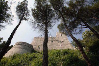 Molise Castello Monforte Campobasso
