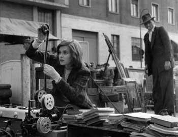 Lucia Bosè alla fiera di Senigaglia, Milano 1954
