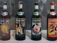Bottiglie storiche Martini e Rossi,copyright Sailko