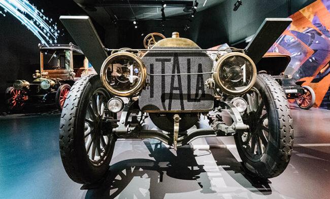 ©Museo dell'auto di Torino Fino al centro del mondo