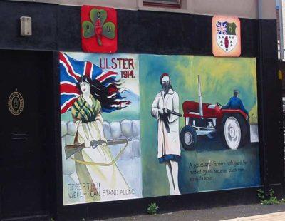 murales Nel quartiere protestante di Shankill un murales ricorda i paramilitari morti durante gli scontri
