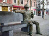 Liegi, la statua di Simenon foto Vberger