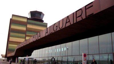 Lleida Il moderno aeroporto della città. foto zkvrev