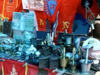 Armenia, mercatino di oggetti della ex URSS (ph. Mario Negri © Mondointasca.it)