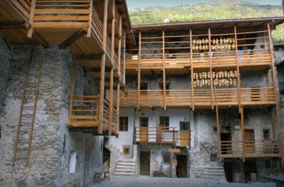 Valtellina contrada beltramelli villa di tirano