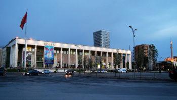 Lezha Tirana teatro dell'Opera