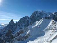 Il tricolore in vetta al Monte Bianco