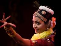 Duetto di danza Bharatanatyam