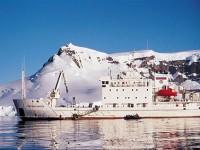 Antartide, fra iceberg e stazioni scientifiche