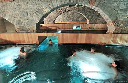 Bagni Termali Svizzera : Bagni termali a leukerbad thermal resort at leukerbad vallese