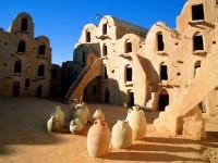 Tunisia: appello alla collaborazione e alla stabilità