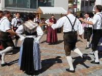 Val di Fassa Moena ballo in piazza