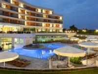 Terme 3000: piscina con acqua nera,  Hotel Livada Prestige