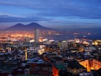 Napoli accende d'arte i suoi luoghi storici