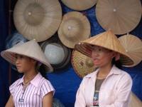 Expo a ruba il cappello di paglia del Vietnam