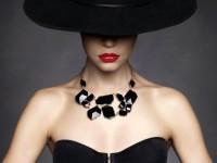 Accessori eleganti e preziosi per una donna di classe