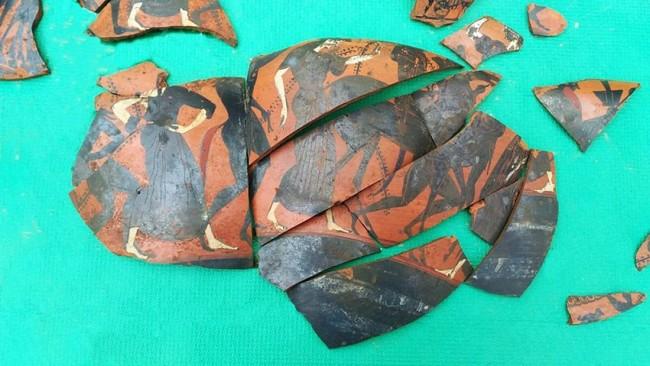 Montesarchio scoperto vaso di eccezionale valore mitologico for Vaso attico