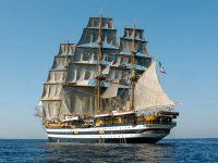 Venezia, 20.000 visitatori a bordo dell'Amerigo Vespucci