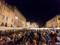 Mantovavive: musica, motori e shopping per tutta la notte