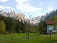 Primavera, festa dei bambini in Val Canali