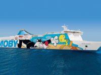 Moby, la balena blu che ti traghetta sulle isole