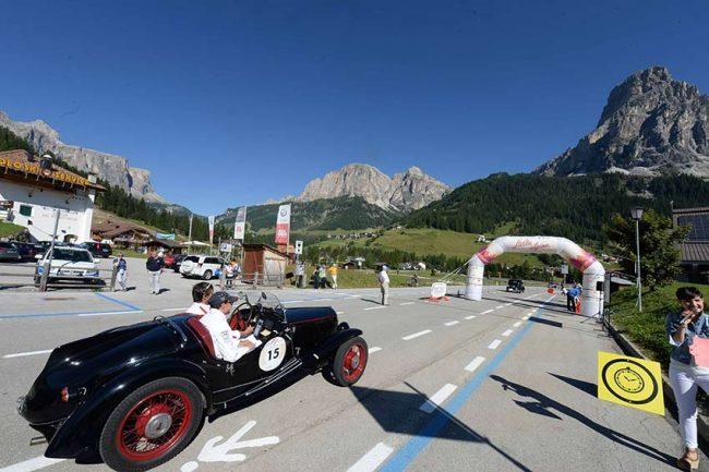 Stella Alpina: le auto d'epoca si sfidano in Trentino
