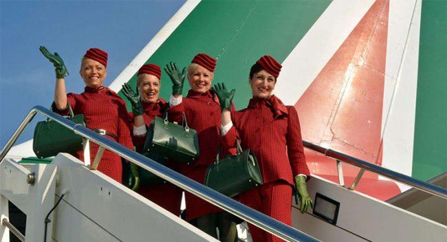 Il verde in Alitalia arriva sulla gambe delle hostess