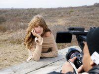 Julia Stegner, volto della nuova campagna Stefanel. La fotodella campagna sono del fotografo statunitense Dan Martensen