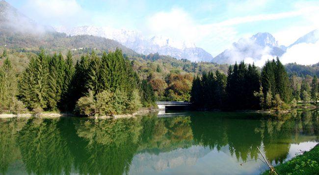 Il Lago di Barcis e intorno le Dolomiti friulane