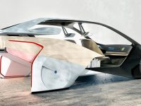 Viaggio nel futuro dell' automobile da Las Vegas a Detroit