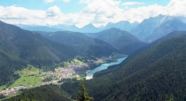 Auronzo, veduta dall'alto (ph: Max Raschilla © Mondointasca)