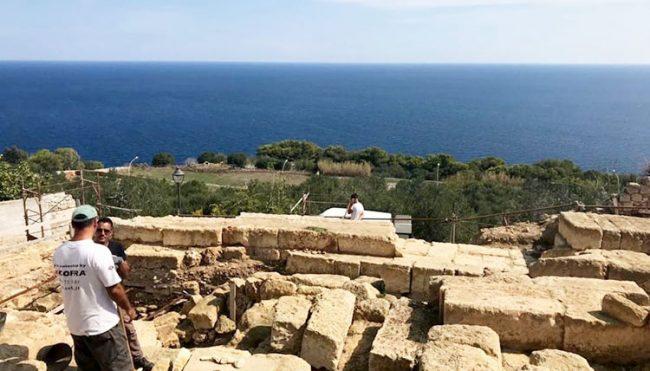 A Castro scoperta archeologica, rinvenuto l'altare di Minerva