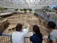 Visitatori e studiosi al Parco Archeologico di Egnazia