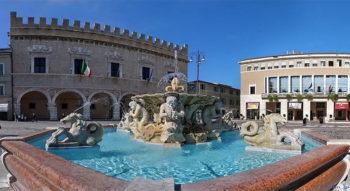 Gabicce Pesaro-piazza-del-Popolo