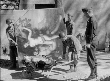 Hitler Liberazione-di-Berchtesgaden-e-recupero-della-collezione-Goering-ad-opera-della-101st-Aiirbone-Division