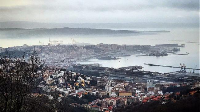 Veduta di Trieste dalle colline
