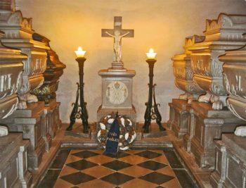 Castagnevizza Cripta-dei-Borbone