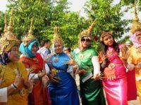 Donne con i costumi tradizionali (Ph: G. Scotti © Mondointasca)