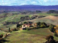 Panorama delle terre senesi tra Asciano e Buonconvento
