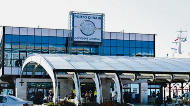 Al porto di Bari il terminal Crociere trasformato in acquario