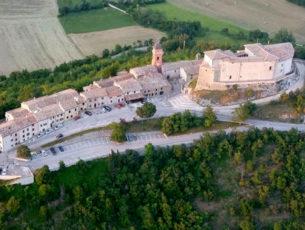 Il castello di Frontone