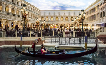 Las vegas in-gondola-a-Venezia