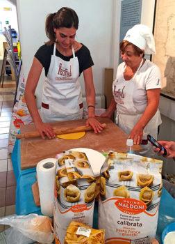 Viaggi gustosi Pesaro-festival-cucina-Lezioni-sfoglia