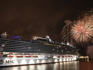 Il varo a Genova con fuochi d'artificio della MSC Seaview