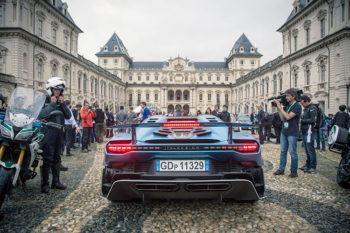 Parco Valentino 2018-supercar-night parade-salone-auto-torino