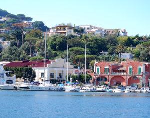 Circumnavigando l'isola (foto: P. Ricciardi © Mondointasca.it)